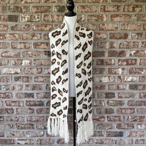 Old Navy Leopard Print Reversible Knit Scarf